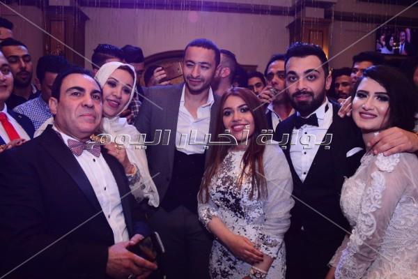 حمادة هلال وهدى نجما زفاف الإعلامي كريم طارق
