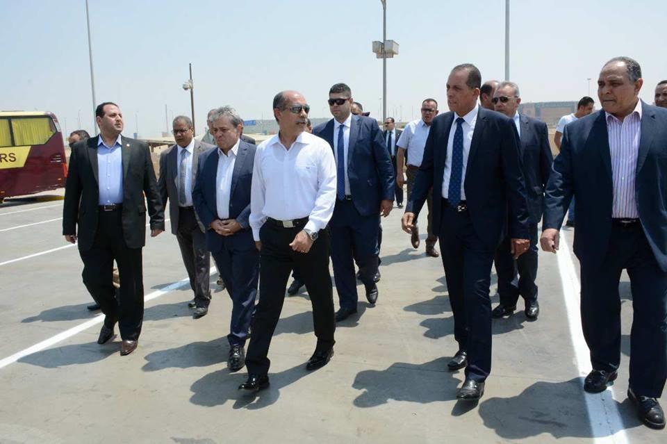 وزير الطيران المدني يتفقد مطار أسوان الصالة الموسمية للحج والعمرة