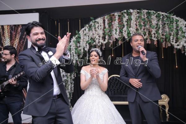 رامي صبرى وبوسي واوكا واورتيجا نجوم زفاف «محمود و فيروز»