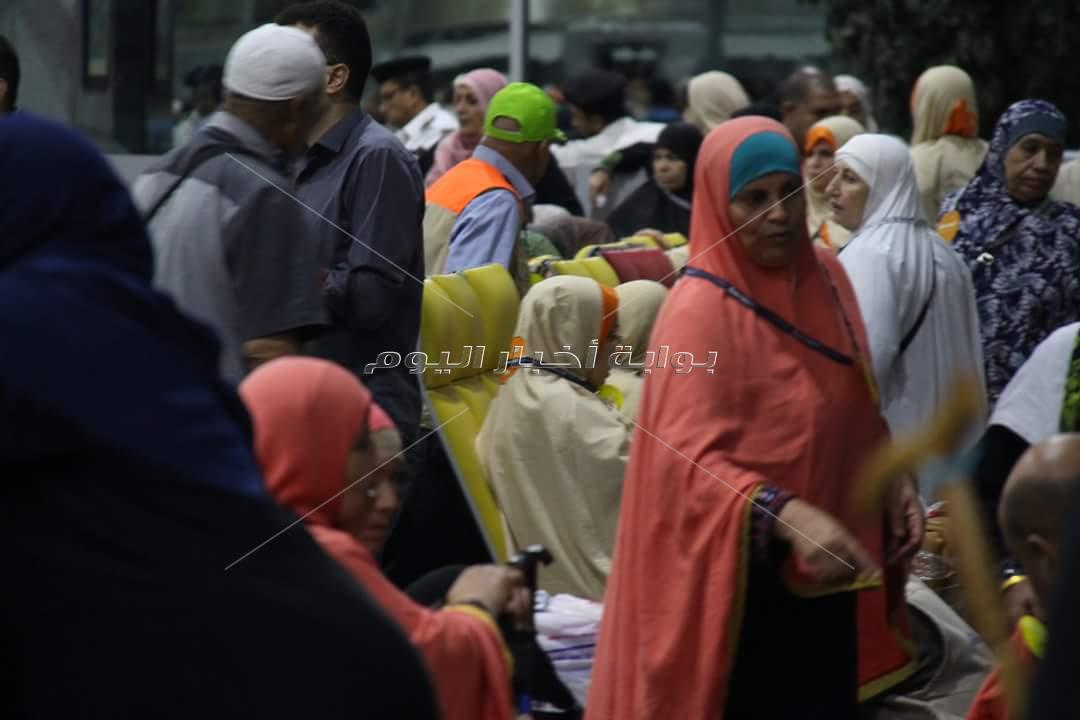 وصول الفوج الأول من حجاج المحافظات الجنوبية بقطاع غزة لمطار القاهرة
