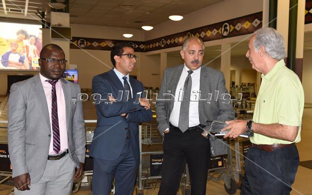 بعثة الأهلي تصل كوناكري والقنصل المصري فى أستقبالها