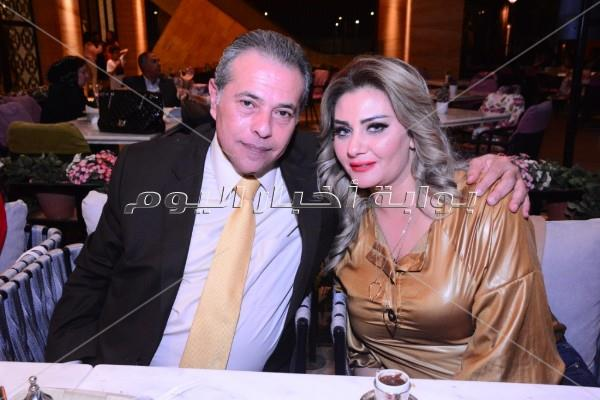 نجوم الفن والإعلام يشاركون في حفل افتتاح أحد المطاعم بمول مصر