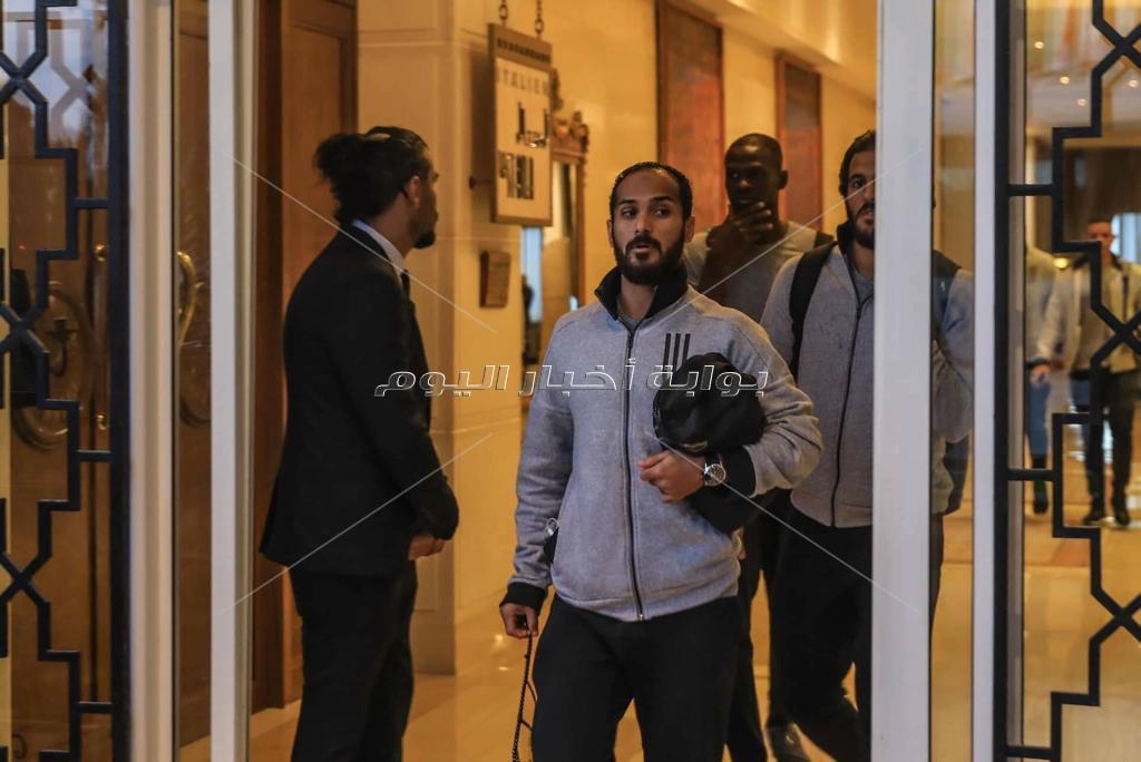 لاعبو الأهلي يتوجهون إلى ملعب «رادس»
