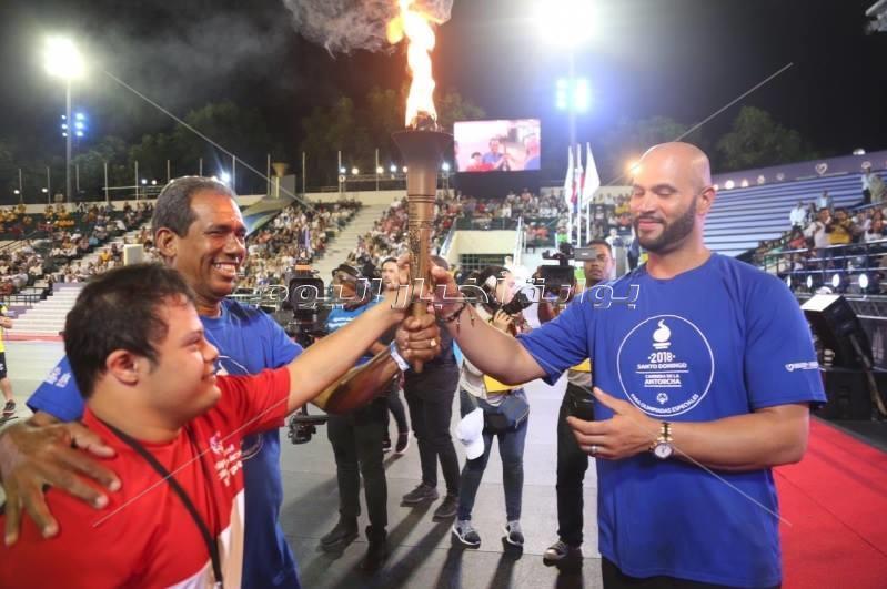 """"""" الخولي """" يحمل الشعلة بكأس العالم للتنس الأرضي بالدومنيكان"""
