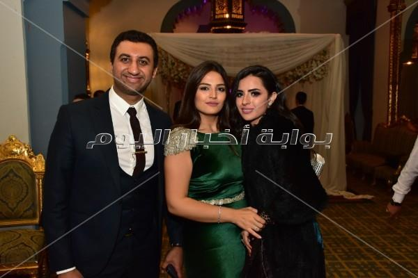 عدوية وبوسي والليثي يحيون زفاف «أحمد وريم»