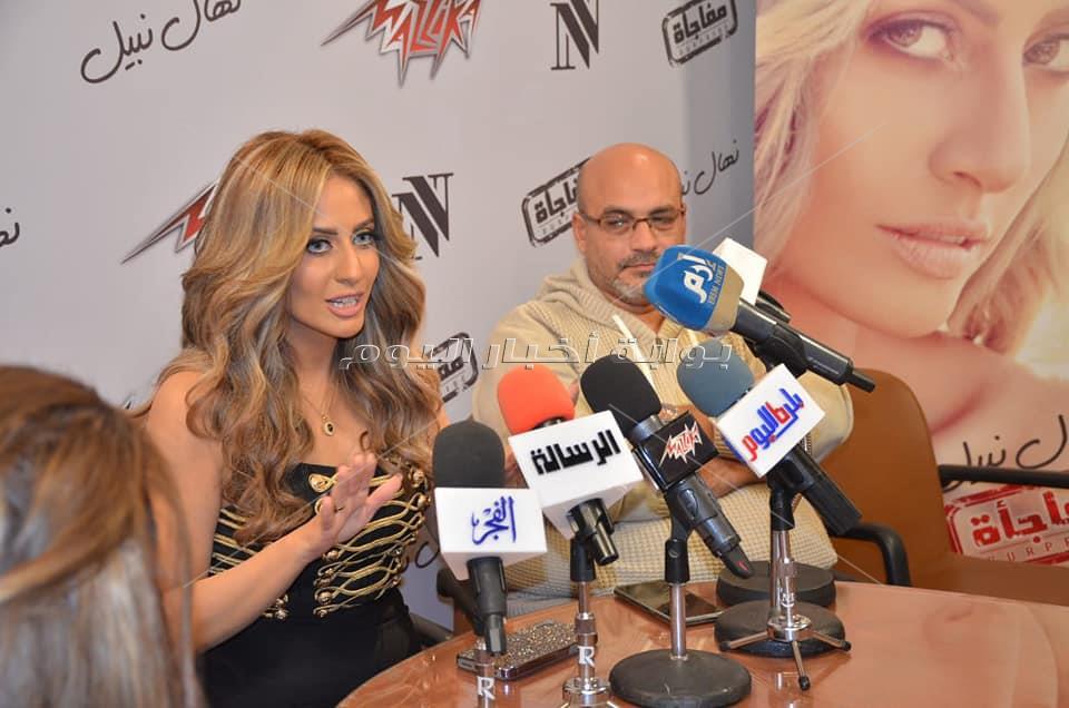 نهال نبيل تحتفل بإطلاق ألبومها الأول «مفاجأة»