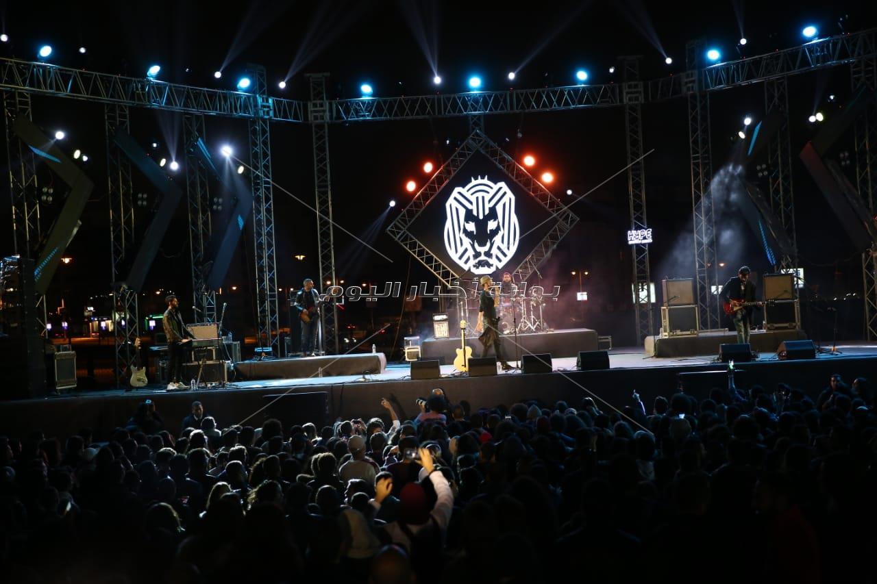 أمنية خليل تشارك كايروكي في حفل «الجامعة الأمريكية»