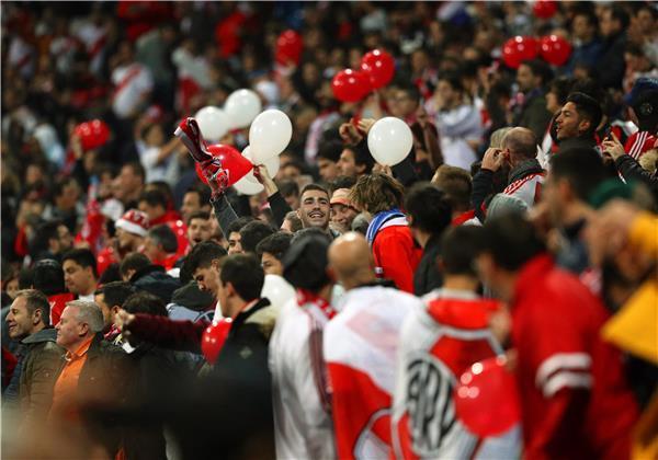 مباراة ريفر بليت وبوكا جونيورز في نهائي ليبرتادوريس على ملعب البرنابيو بمدريد
