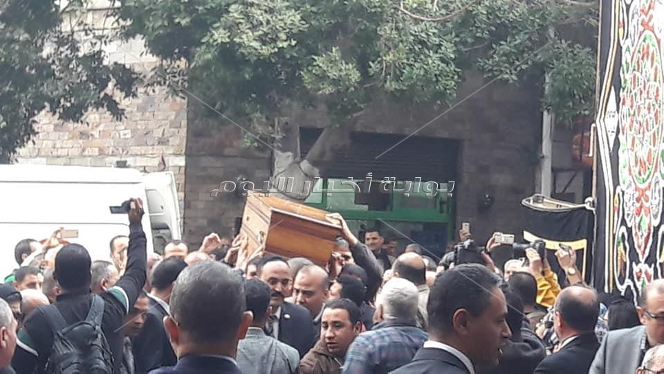 جثمان إبراهيم سعده يصل لشارع الصحافة
