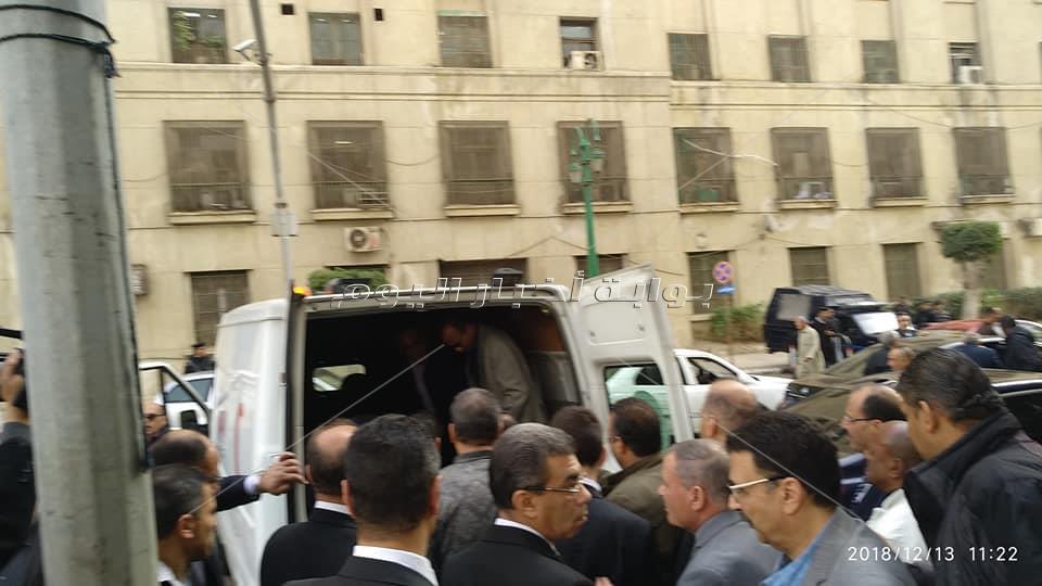 وصول جثمان إبراهيم سعدة مسجد عمر مكرم