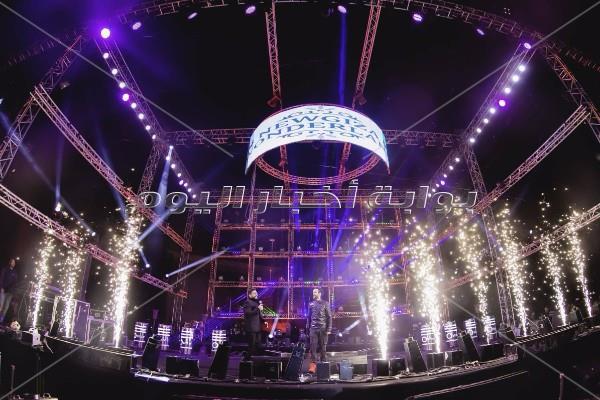 تامر حسني وأحمد عصام يحتفلان بـ«الكريسماس» في «نيو جيزة»