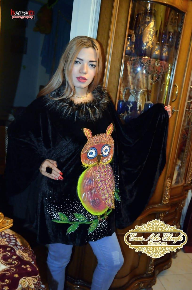 مصممة أزياء تقدم «poncho» بدون خياطة