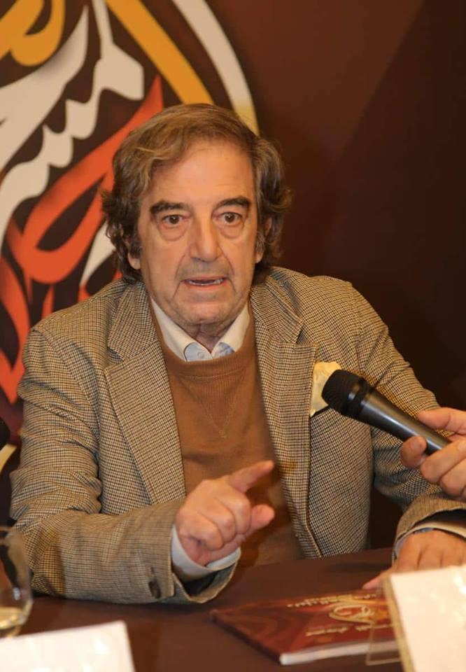 """الفنان """"سيد أحمد أقومي"""": المسرح الجزائري ولد سياسيا ملتزما"""