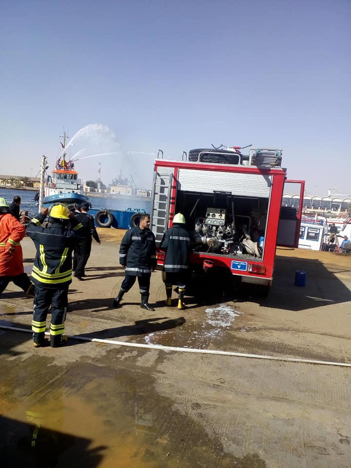 مناورات طوارىء حريق بميناء السويس