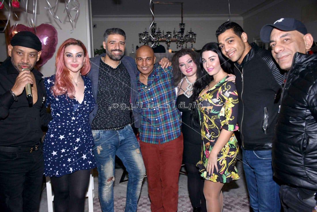 توفيق والليثي وصوفينار وكاريكا في عيد ميلاد حسام خليل