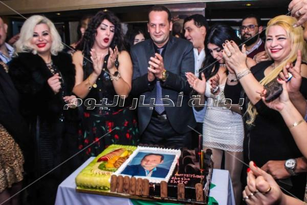 نيللي تشارك أصدقاء شريف السحيمي الاحتفال بعيد ميلاده