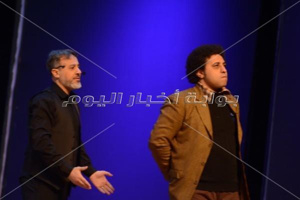 تصفيق ودهشة بعودة زمن الفن الجميل بمسرحية «سيرة حب»