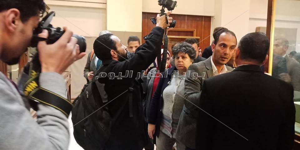 العناني يفتتح معرض ام البريجات بالمتحف المصري بالتحرير