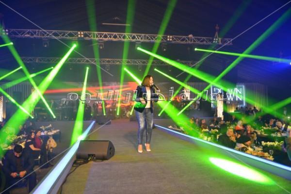 بوسي تشعل حفل «داون تاون» ببورسعيد