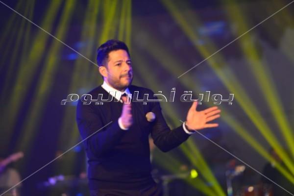 حماقي يحتفل مع جمهوره في بورسعيد بألبومه الجديد