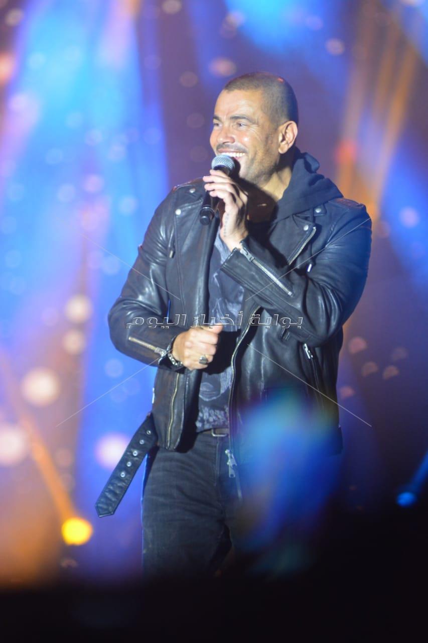 عمرو دياب يضيء سماء أكتوبر بحفل «جامعة مصر»