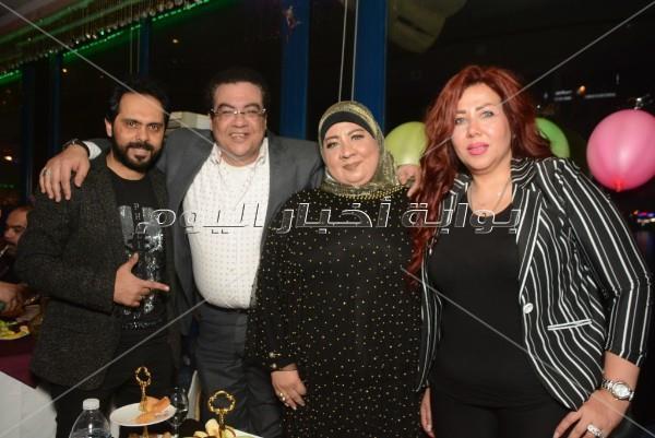 الليثي وياسر عدوية وهارون في عيد ميلاد أحمد رمضان