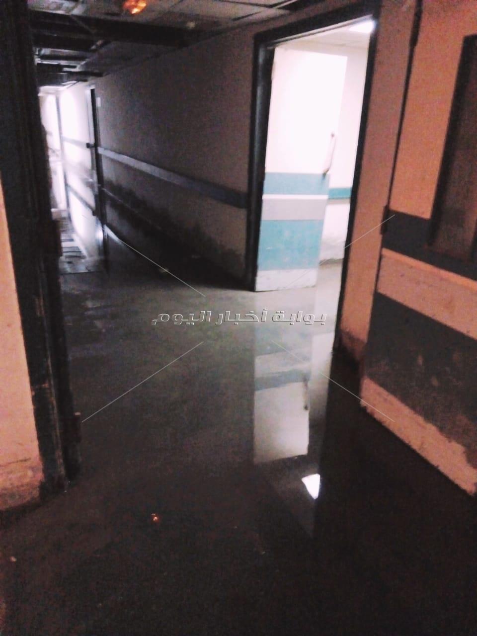 مياه الصرف الصحي تقتحم وحدة تعقيم مستشفى الواسطى المركزي