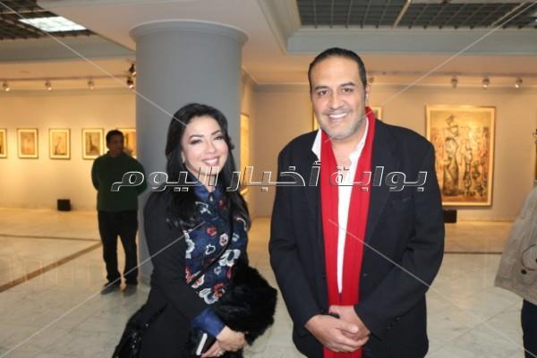 حلا وهنا شيحة في معرض والدهما بحضور فلوكس والفقي ومدحت صالح