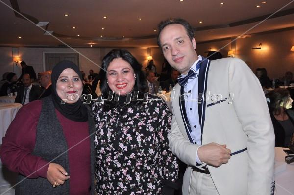 تكريم سلوى عثمان ودينا عبد الله وهند عاكف احتفالا بـ«عيد الأم»