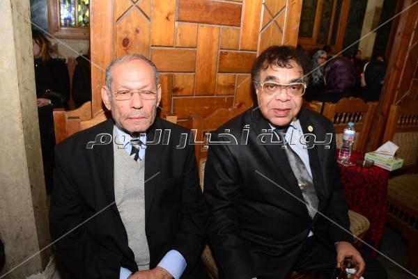 محمد فؤاد وطاهر أبو زيد ووليد سعد في عزاء علاء الغول