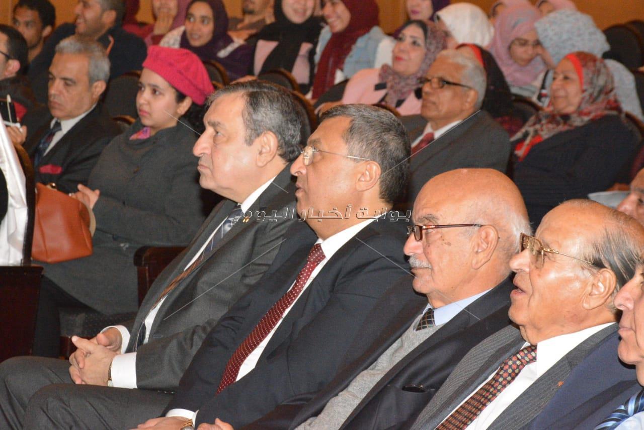 عصام شرف والكنيسي والصريطي في حفل أمسية أحمد تيمور