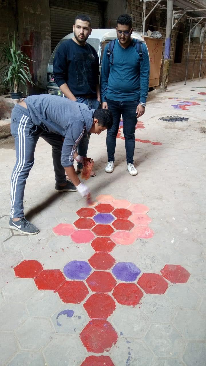 """""""مجلس إدارة الشارع"""".. مبادرة شعبية لإنارة ورصف الشوارع مصر ب """"القمامة"""""""