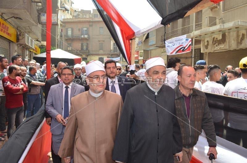 رئيس القطاع الديني بوزارة الأوقاف يدلي بصوته في الاستفتاء على التعديلات الدستورية