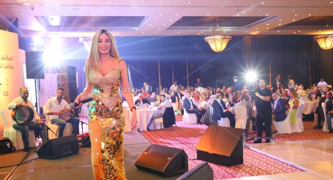 إطلالة جريئة لـ«دومينيك حوراني» في حفله الأردن