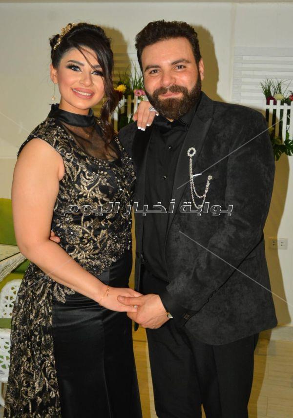 مها أحمد تحتفل بخطوبة شقيقها بحضور تامر عاشور