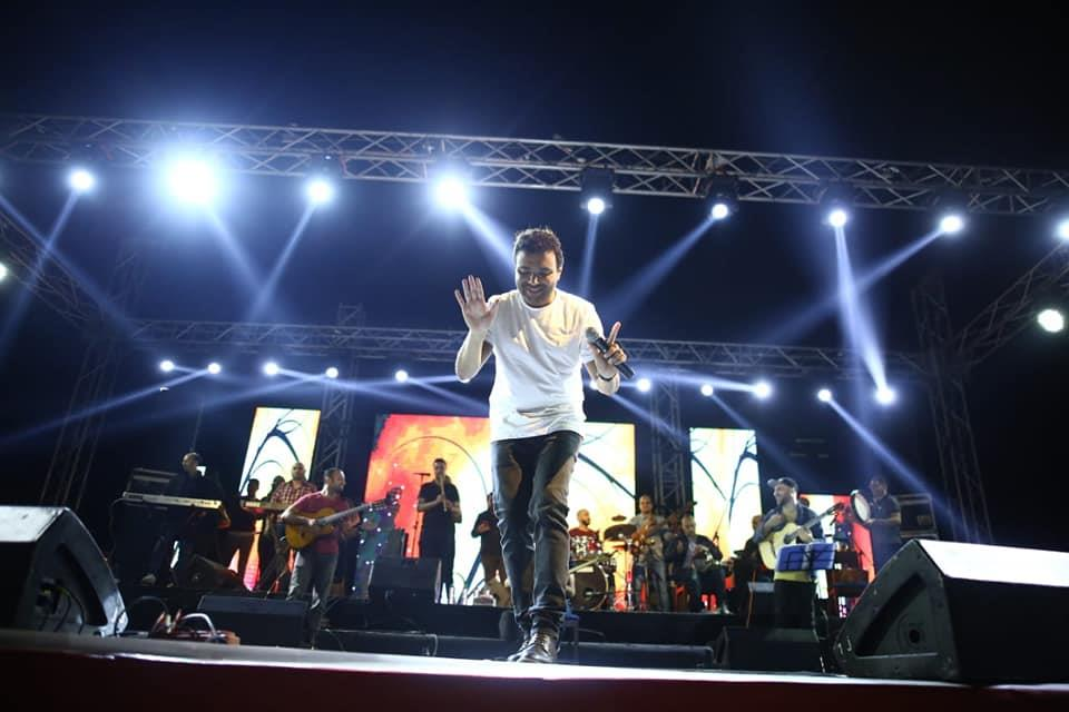 رامي صبري يحتفل بالربيع مع جمهوره ببورسعيد