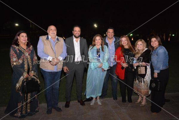 خالد سليم يفتتح خيمة «الحارة» بحضور نهال عنبر