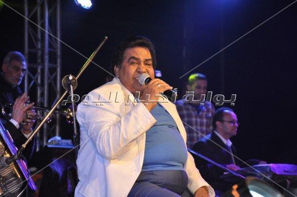 «مواويل» أحمد عدوية تُطرب الحضور بخيمة «كابستون»
