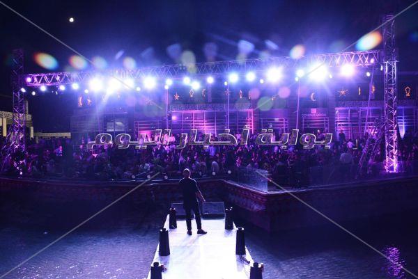 العسيلي يتألق في خيمة «ليالي الميريلاند» بـ«إبن مصر»