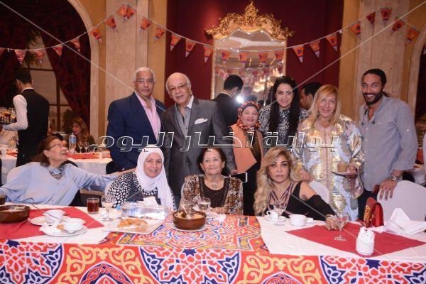 نهال عنبر ودينا عبد الله في حفل إفطار نبيل علام