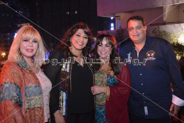 نيللي وهالة صدقي ونهال عنبر على مائدة سحور عمرو جمعة