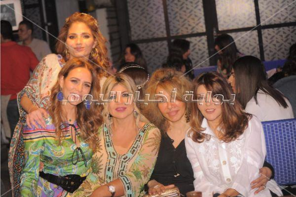 عدوية يتألق في حفل سحور بحضور سميرة السعيد ونيللي كريم