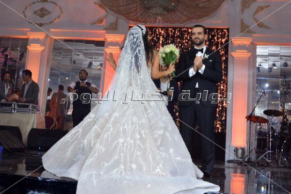 تامر حسني يشعل زفاف «محمد وريهام» بحضور هاني البحيري