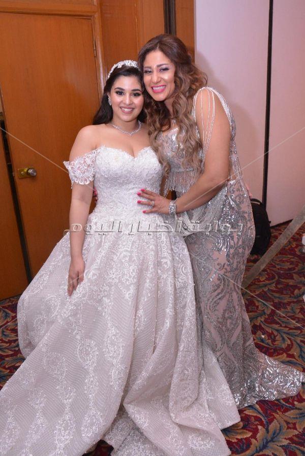 متقال وإيمي سلطان يحيان زفاف حفيدة اعتماد خورشيد