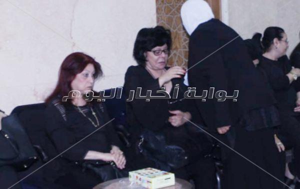 إسعاد يونس في عزاء الدكتورة سامية الهجرسي