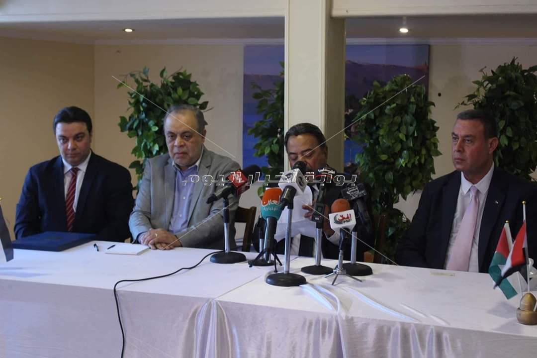 الرئيس الفلسطيني يُكرم يوسف شعبان