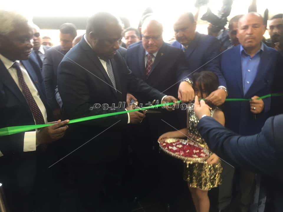 وزير التنمية المحلية يفتتح مقر منظمة المدن الافريقية