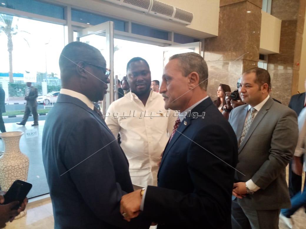محافظ الإسماعيلية يستقبل رئيس غانا