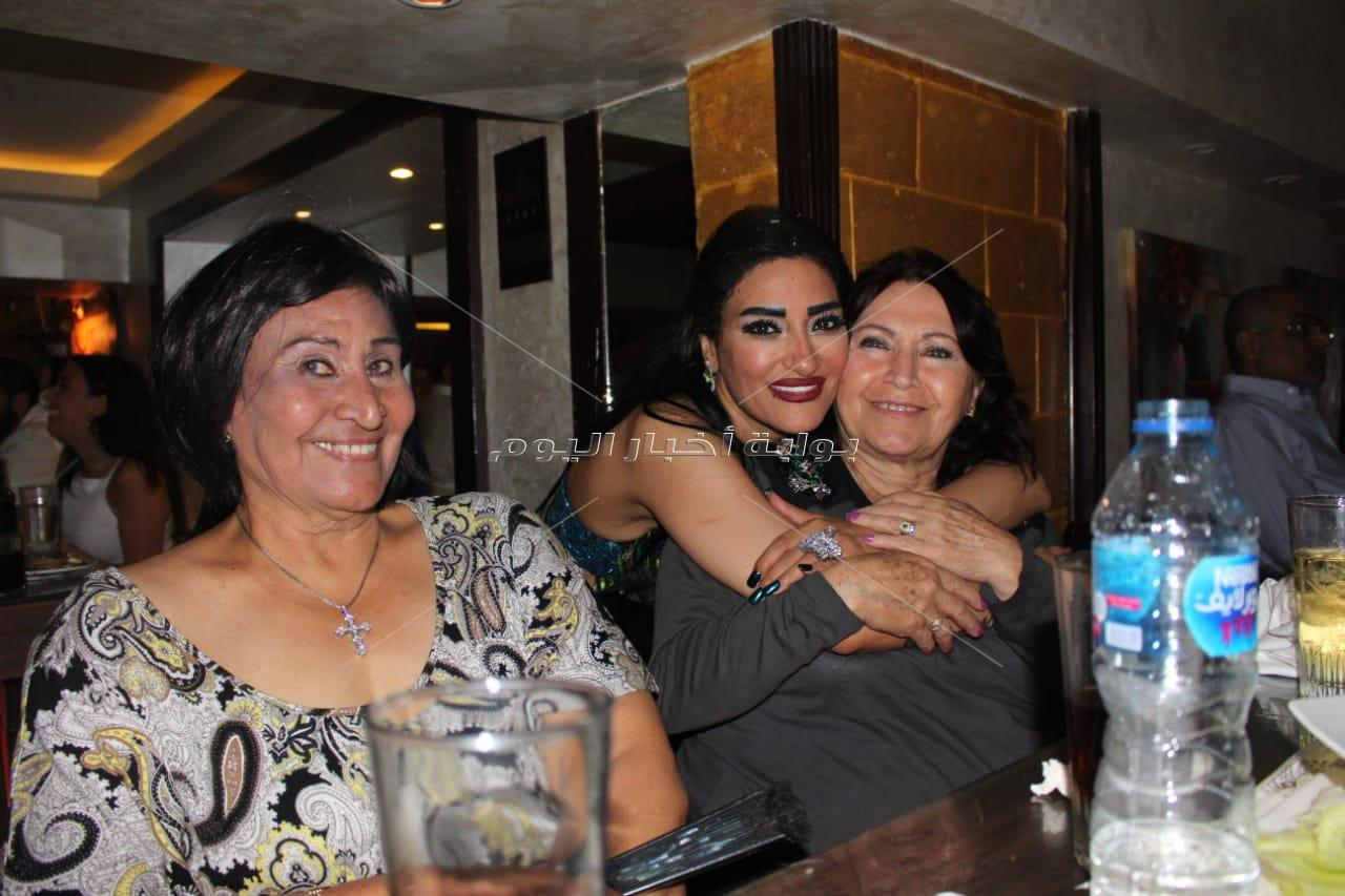 نيللي ومجد القاسم في عيد ميلاد سوزي وليم