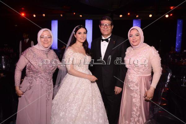 محمود الليثي يتألق بزفاف «عمر ومي»